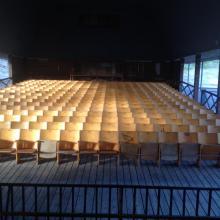 De sönder hoppade stolarna är lagade så nu är alla publikplatser färdiga...